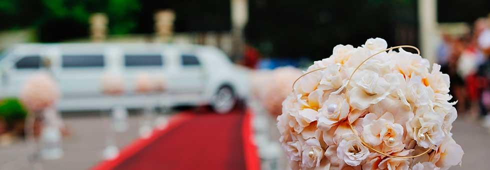 preguntas que debes hacer antes de reservar una limusina para tu boda