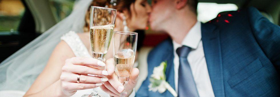 Por qué alquilar una limusina para tu boda